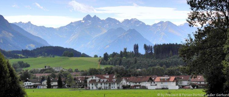 Luxus Chalets im Allgäu mieten Ansicht Sonthofen mit Alpenpanorama