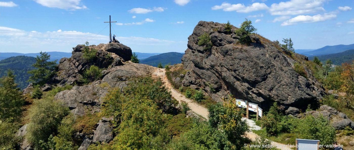 bayerischer-wald-ausflugsziele-bodenmais-silberberg-sehenswürdigkeiten-berggipfel