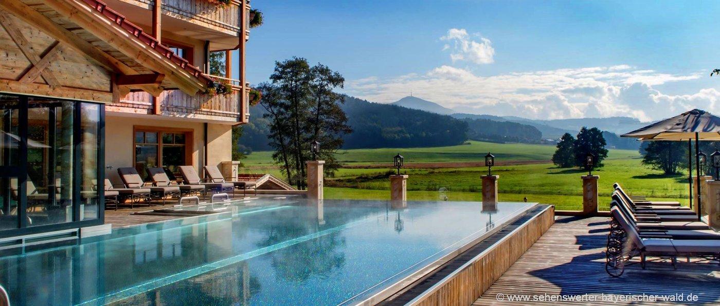 brunnerhof-hochzeitshotel-bayerischer-wald-wellnesshotel-infinity-swimming-pool