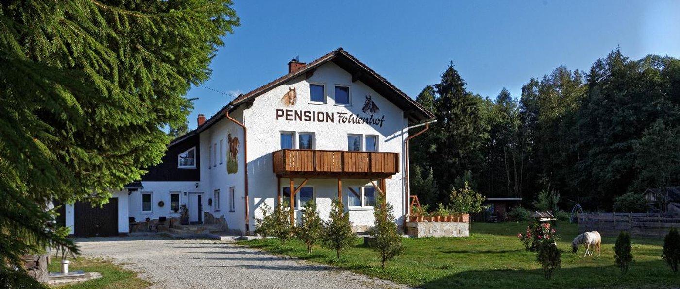 fohlenhof-frauenau-familienurlaub-pension-bayerischer-wald-hausansicht