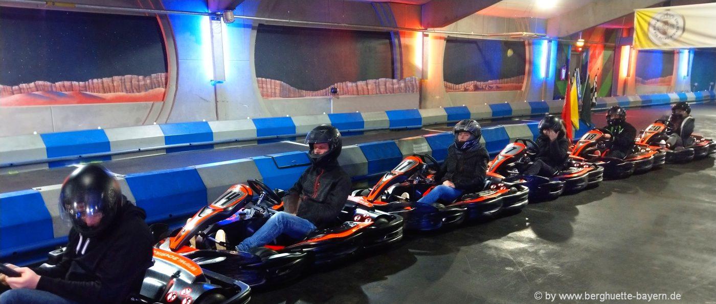 freizeit-angebote-kartbahn-go-kart-fahren