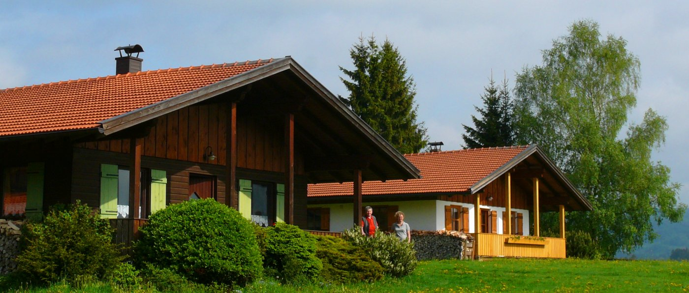 hirschhof-bayern-ferienbungalow-bayerischer-wald-mieten-aussenansicht