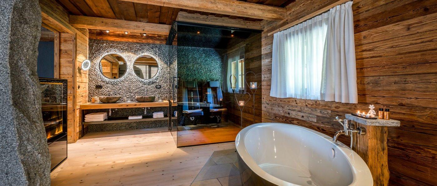 hüttenhof-luxus-bergchalets-bayerischer-wald-sauna-whirlpool
