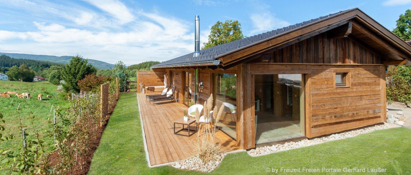 bayerischer wald wellness chalet mit kamin sauna in bayern ferienh tte. Black Bedroom Furniture Sets. Home Design Ideas
