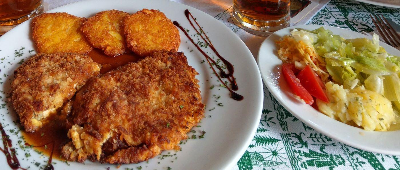 kraus-gasthof-niederbayern-motorradunterkunft-lecker-essen