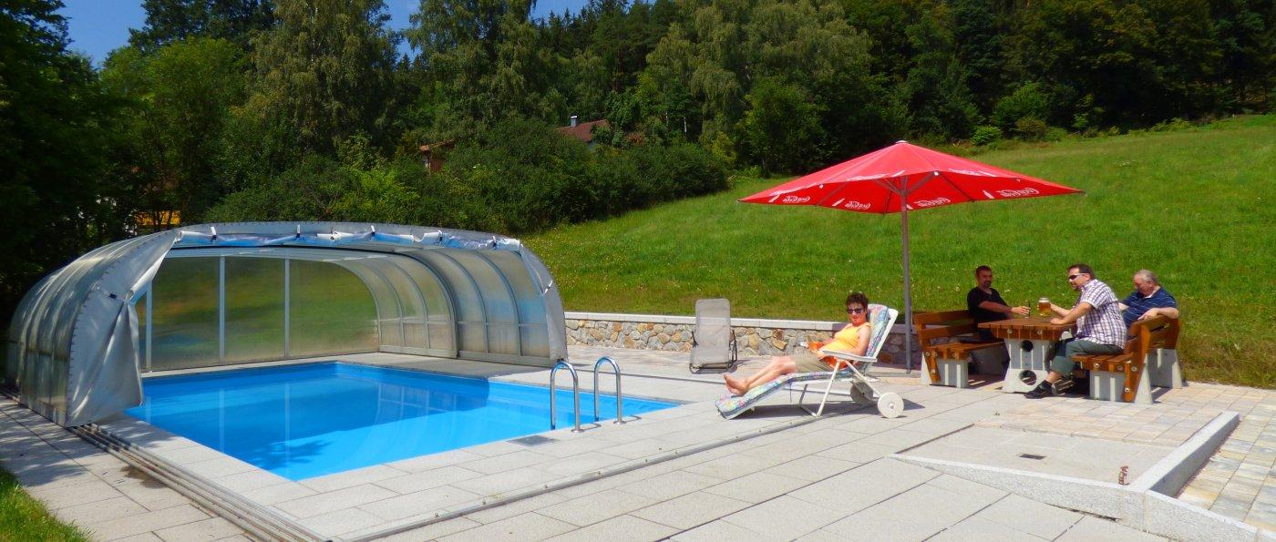 kraus-gasthof-swimming-pool-bayerischer-wald-bikderunterkunft