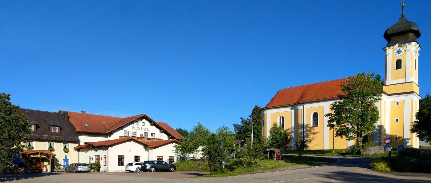 lindenhof-gruppenreise-hotel-regensburg-meetingraum-oberpfalz-aussenansicht