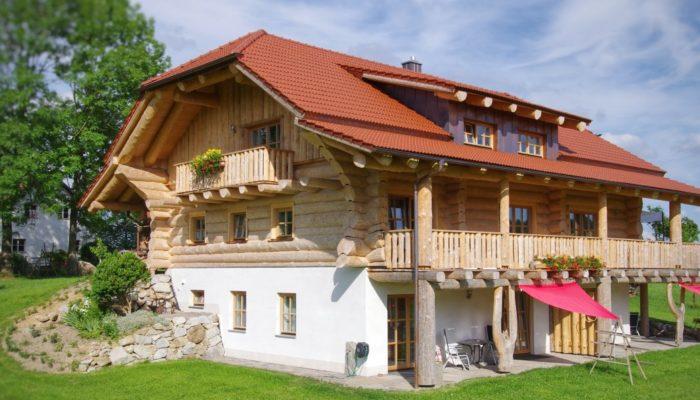 urlaub in bayern holzhaus ferienhaus aus holz bayerischen wald romantischer urlaub. Black Bedroom Furniture Sets. Home Design Ideas