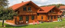 luxuschalets-niederbayern-oberpfalz-holzferienhaus-ansicht