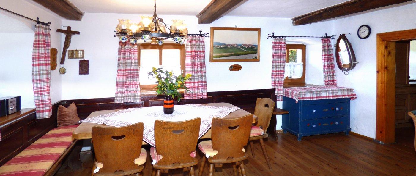 Ferienhaus für Familientreffen in Bayern mit großer Bauernstube