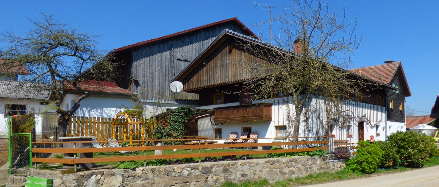 paulus-gruppenhaus-familientreffen-bauernhof-bayern-ferienhaus
