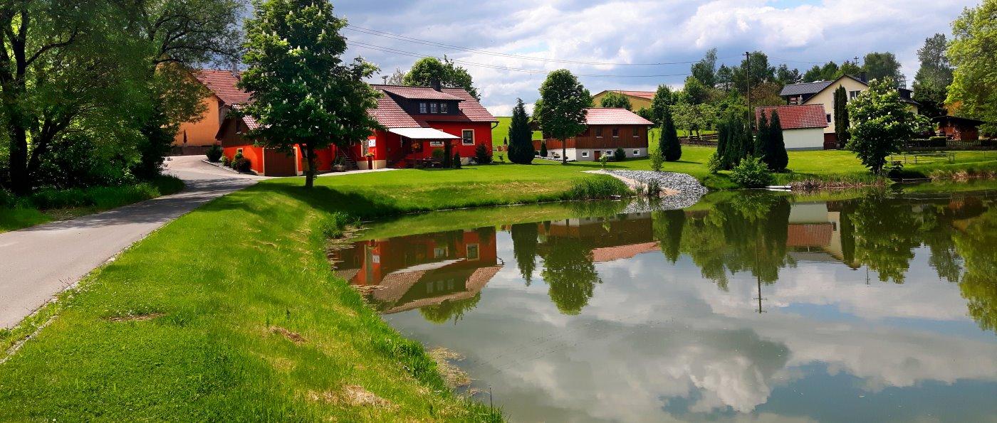 probstbauer-bauernhof-urlaub-holzhaus-oberpfalz-ferienhaus-see