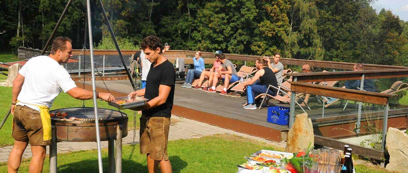 pröller-berghütten-niederbayern-teamevent-partylocation-grillen