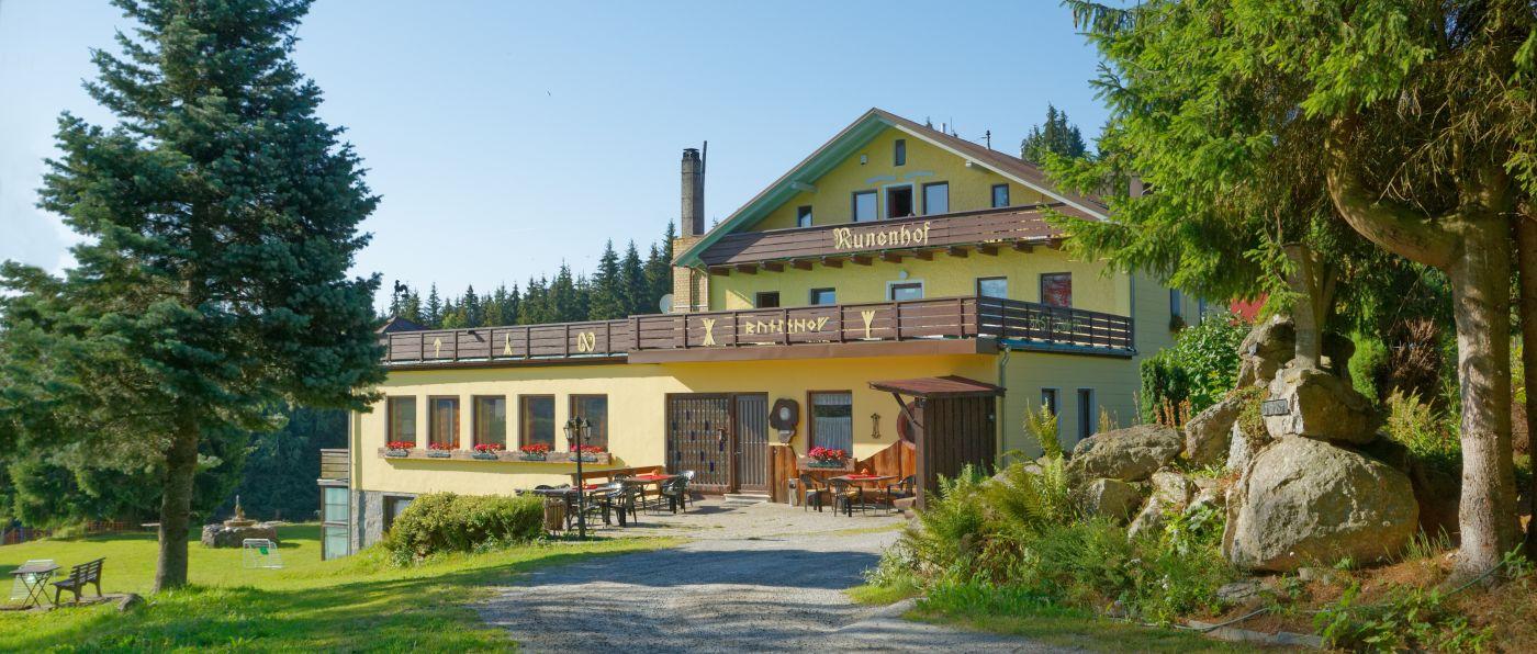 Biergarten der Bauernhofpension und Gruppenunterkunft Bayerischer Wald