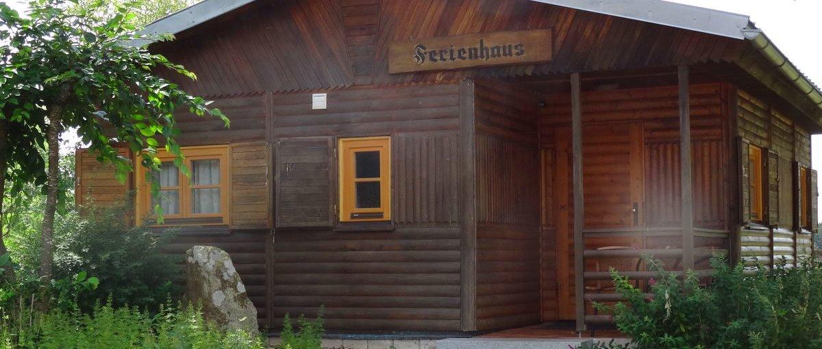 bayerischer wald blockh tte am see mieten in deutschland blockhaus in bayern. Black Bedroom Furniture Sets. Home Design Ideas