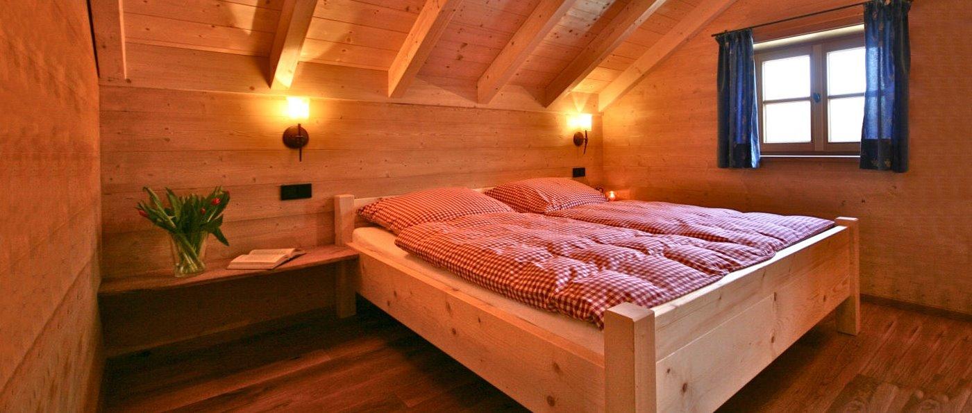 sunleitn-ferienhaus-für-zwei-romantik-chalet-schlafzimmer