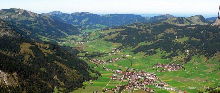 Sehenswürdigkeiten im Tannheimer Tal Blick auf Tannheim Ort