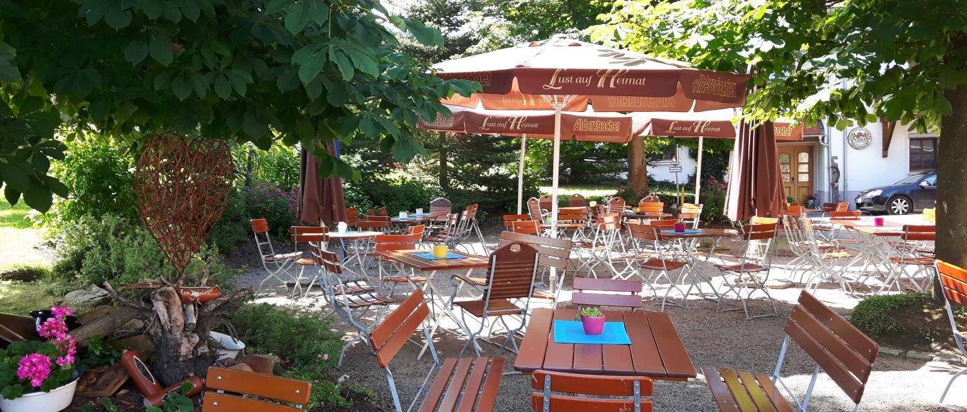 türlinger-gruppenhotel-bayerischer-wald-biergarten-gruppenhaus