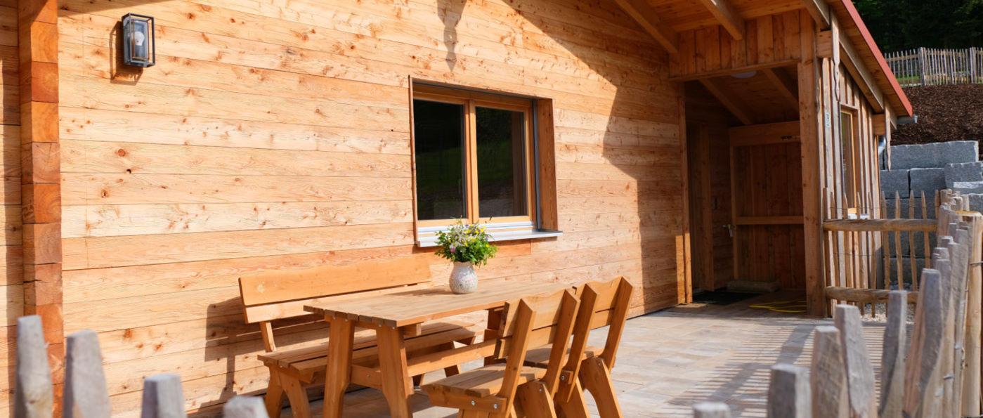 waldeck-koch-holzhaus-cottages-bayern-terrasse-ferienhaus