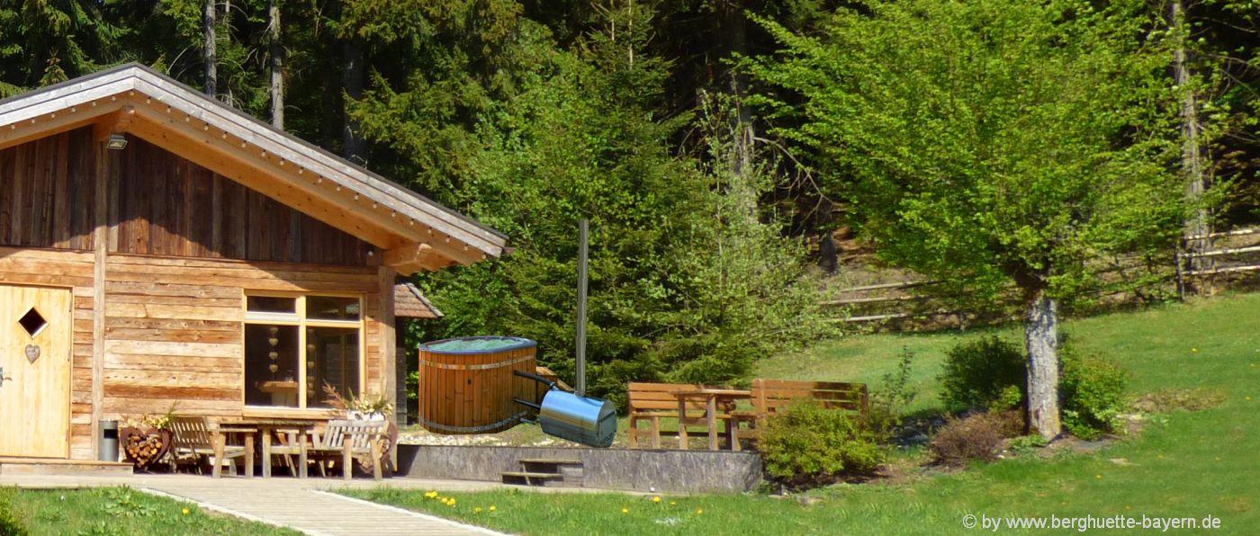 wellness-berghütten-mit-hot-pot-badefass-bayern
